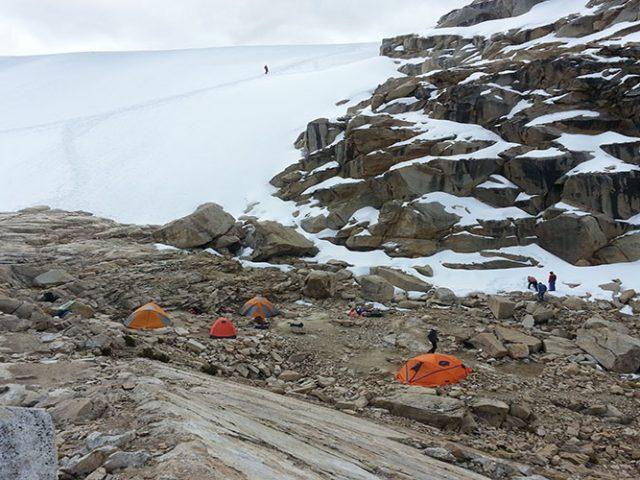 Climbing Urus (5497m / 18030ft)